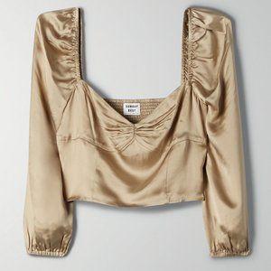 ✨NWT✨ Aritzia olive beige cropped blouse (size 6)